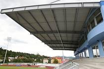 Tribuna Městského stadionu.