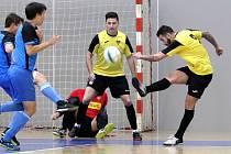 Futsal 2. liga - Rapid Ústí n/L (žlutočerní) porazil Chotěboř (modročerní) 8:5.