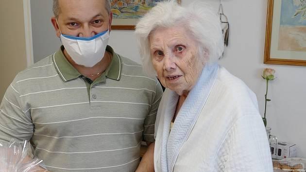 Bývalá vychovatelka Pravoslava Nováková oslavila 93. narozeniny.