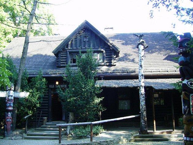 """Ve vile """"Bärenfett"""" najdou návštěvníci zajímavou výstavu ze života obyvatel Divokého západu."""