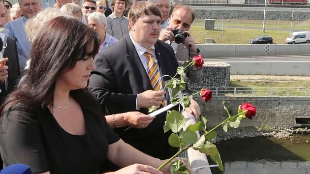 Památku obětí tragických událostí z 31. července 1945 uctili Ústečané na dvou místech