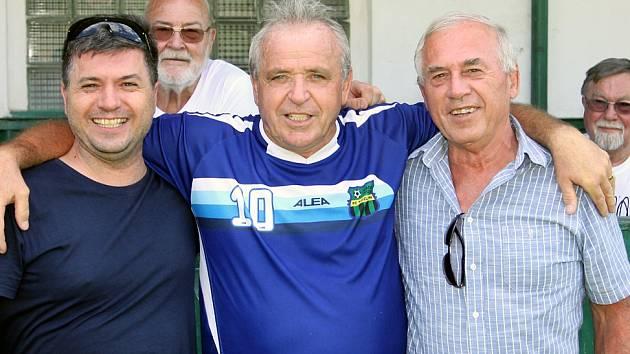 Fotbalisté Střekova slavili 70 let výročí od založení klubu. Popřát přijela i Kozlovna s Láďou Vízkem.