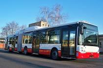 Druhý autobus s pohonem na zemní plyn dorazil v pondělí odpoledne do vozovny ústeckého DP.