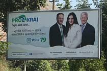 Billboardy s Lucií Sedláčkovou, Vladislavem Raškou a Romanem Stružinským hnutí vyvěsilo na Děčínsku.