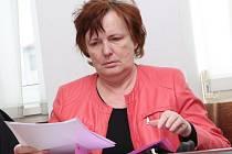 Bývalá starostka Neštěmic Miloslava Válková u soudu.