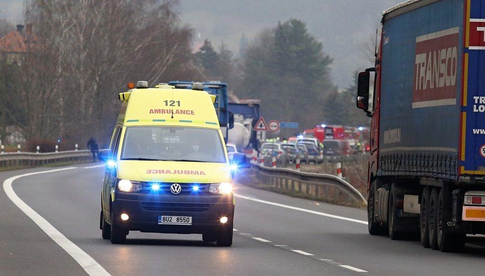 Tragická dopravní nehoda u obce Povrly mezi Ústím a Děčínem