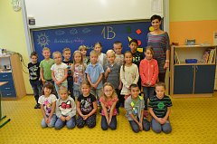 Žáci 1. B ze ZŠ Mírová v Ústí n. L. s paní učitelkou Markétou Sauerovou.