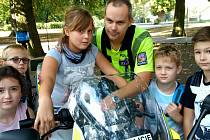 V rámci Evropského týdne mobility si v pátek připravil ústecký magistrát a složky Integrovaného záchranného systému v Ústí nad Labem preventivní akci pro 150 dětí z místních škol a školek.