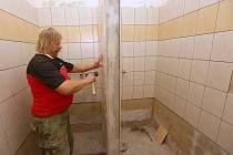 Novou sezonu zahájí umělkyně v nově zrekonstruovaných koupelnách.