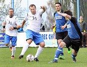 Fotbalisté Chuderova (bílé dresy) doma smázli Tisou 11:0.