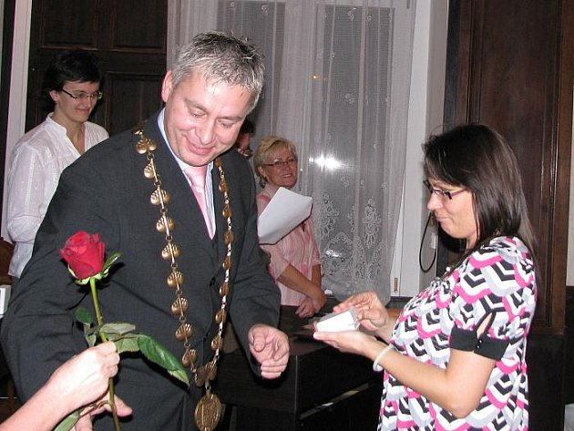 ed33c0447f9 Bezplatní dárci krve získali stříbrné plakety a zlaté kříže Dr. Jánského ...