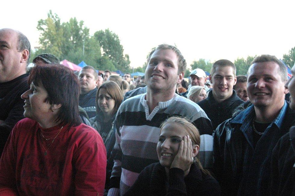 Na deset tisíc lidí bavil Ostrovní festival, tradiční součást vinobraní v Litoměřicích.