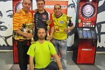 Nejlepší hráči turnaje TOP. Zleva vítěz Lacina Zdeněk, uprostřed druhý Jiří Danda, vpravo třetí Kováč Karel.