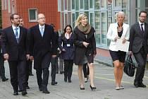 Areálem kampusu spolu s přilehlými prostory provedl premiéra Bohuslava Sobotku a ministryni školství Kateřinu Valachovou rektor Martin Balej.