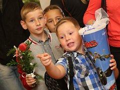 První školní den na malé škole v Řehlovicích.