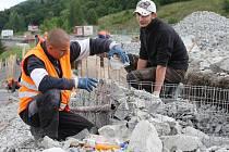 Práce na D8 v Řehlovicích jdou podle plánu, hotovo má být v říjnu.