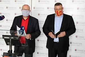 Hejtman Oldřich Bubeníček (vlevo) a jeho první náměstek Martin Klika