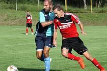 Fotbalisté Brné (červení) doma prohráli s Kadaní 2:3.