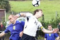 Fotbalisté Chuderova se mohli v podzimní části spoléhat na góly kanonýra Gabriela (v bílém).