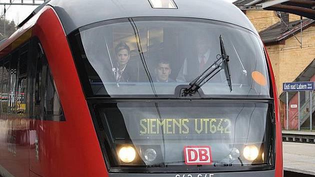 Nové jednotky Siemens Desiro nabídnou oproti současným vlakům poměrně luxus. Odhlučněný interiér jednotek a klimatizace jsou jen kapkou v moři výhod.