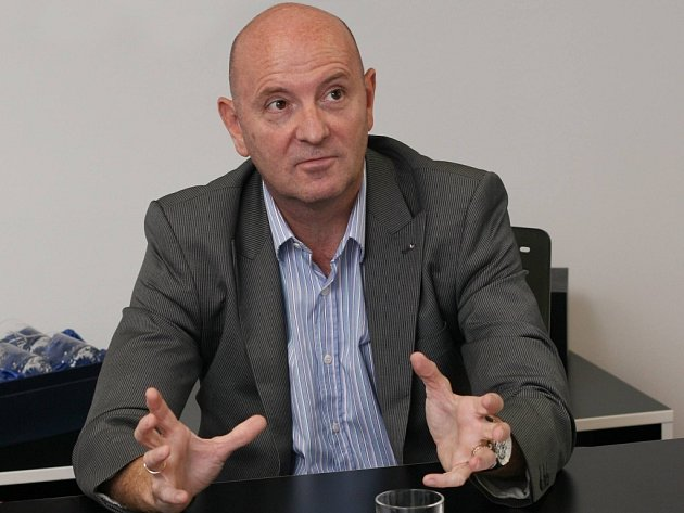 Mike Young, ředitel Jotunu.
