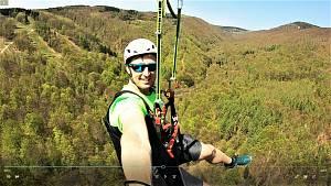 Video z nové atrakce s názvem zipline v Klínech na Mostecku. Jde o nejdelší dráhu totohoto druhu v ČR, 5. v Evropě a 20. na světě.