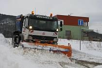 Lidé ve Skoroticích se rozčilují nad operačním plánem zimní údržby ve městě.