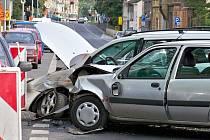 Sanitky od nehody rozvezly čtyři zraněné.