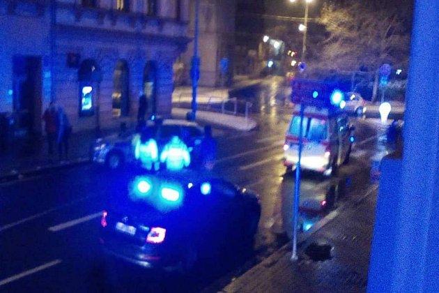 Vpátek 11.ledna ve večerních hodinách srazilo auto vPařížské ulici chodkyni.
