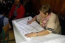 Obyvatelé Střekova s úředníky magistrátu a vedením městského obvodu diskutovali o komunálních problémech.