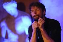 Dan Bárta zpíval v muzeu pro děti.