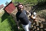 Ústecký rodák a herec Leoš Noha si buduje chalupu v Leštině poblíž Ústí nad Labem