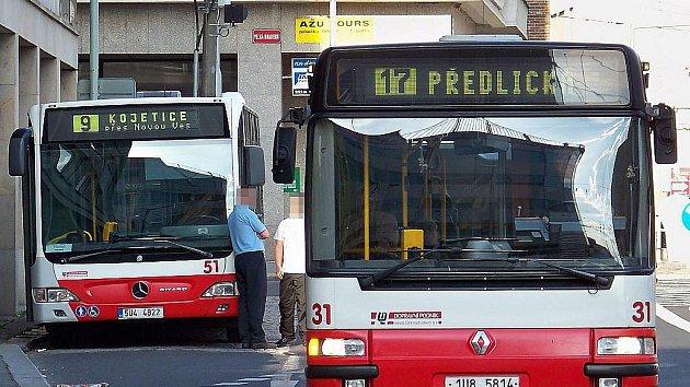 Pro mnoho obyvatel okrajových částí Střekova zůstává nejpalčivějším problémem městská hromadná doprava.