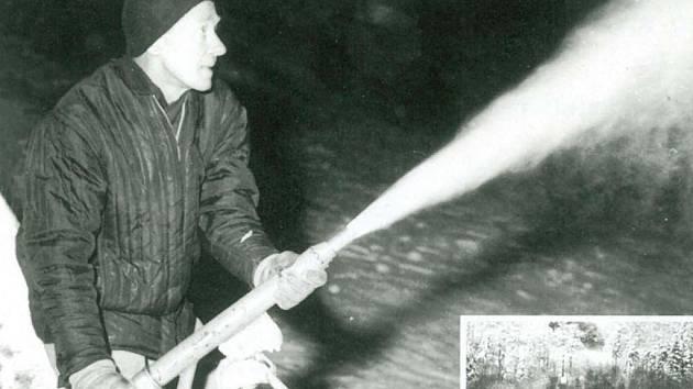 """První """"výstřel"""" ze sněhového děla na Telnici."""