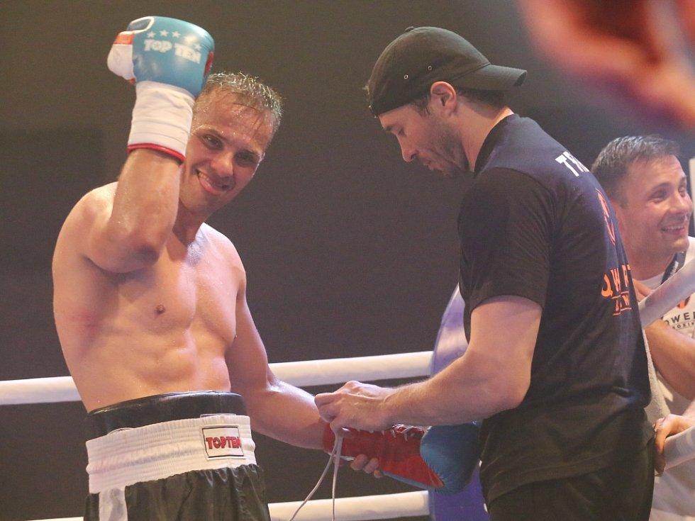 Štěpán Horváth, který kdysi začínal s amatérským boxem právě v Ústí, obhájil pás mistra Evropy WBO v lehké střední váze.