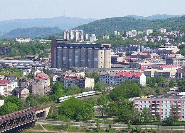 Setuza. Jeden z největších výrobních podniků v Ústí nad Labem se stal zároveň objektem sporů, intrik, žalob, exekuce a hrozeb konkurzem.