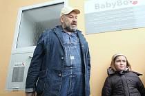 Zakladatel babyboxů před v pořadí 19. zařízením v ČR, jež od 25. října 2009 slouží v Ústí nad Labem.