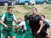 Fotbalisté Brné (v černém) doma na závěr sezóny porazili Modlany 3:2. Foto: Deník/Rudolf Hoffmann