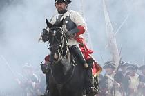 Sedmiletá válka. Místo pevnosti na Mariánské skále v Ústí vzniklo pevnostní město Terezín, kde se každý rok kluby vojenské historie účastní rekonstrukce bitvy sedmileté války.