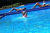 Počasí milovníkům vodních radovánek v příštích dnech bude přát, podle meteorologů se do střední Evropy vrátilo léto.