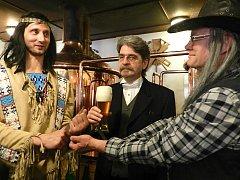 Pivo okoštoval i sám stvořitel postav Vinnetoua a Old Shatterhanda Karel May.