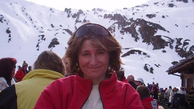 NEJVĚTŠÍ KONÍČEK. V osmdesdátých letech závodně lyžovala za ústeckou Spolchemii, dnes jezdí jen pro radost. Na kopcích českých hor, kam se stále vrací.