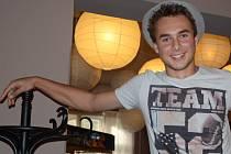 Osmnáctiletý gymnazista Tomáš Kočárník založil s kamarády studentské divadlo.