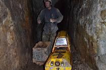 Prohlídková štola Lehnschafter v bývalém stříbrném dole v Mikulově v Krušných horách.
