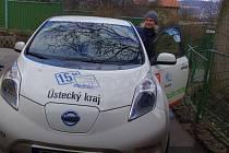 Elektromobil si v domově pochvalují.