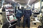 Technici zničili automaty, zabavené celníky