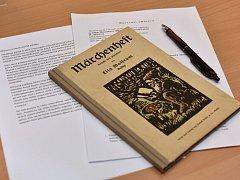 Pohled na knížku pohádek od Elly Wolfrumové.
