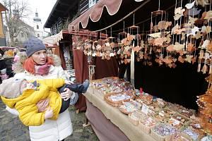 Tradiční vánoční jarmark ve skanzenu Zubrnice.