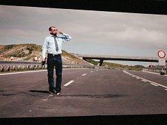 Snímek z filmu Dál nic.