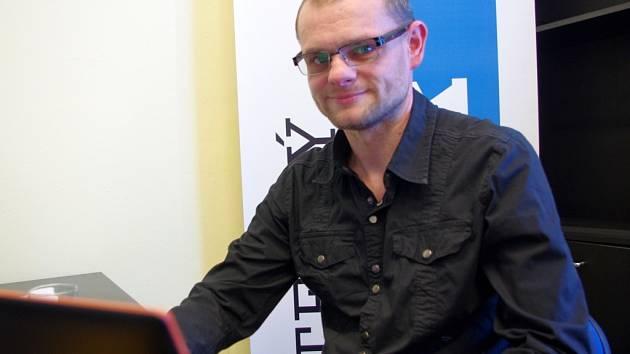 Poslanec David Kádner při online rozhovoru v redakci Deníku.